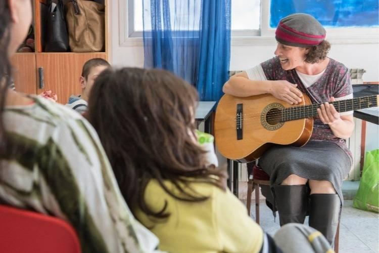 שיעור מוזיקה בבית הספר